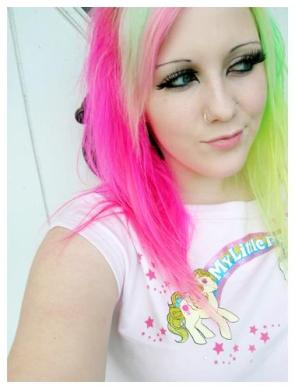 Barvení vlasů nebo raději tónování