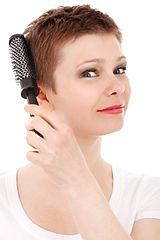 Odbarvování vlasů